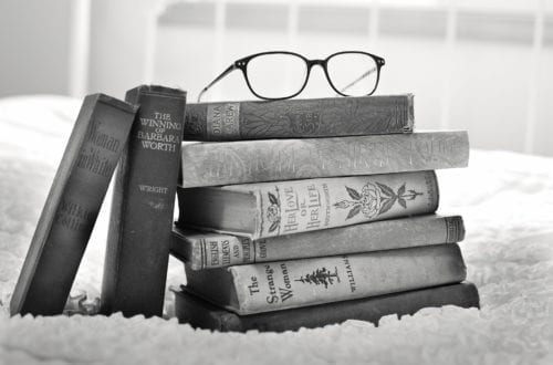 Enjoy reading again with these strategies while suffering from #chronicillness or #chronicmigraine | Migraine Strong
